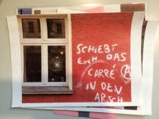zerschlagene Fensterfront mit Kommentar zum Bauprojekt am Büro von Stadtraumnutzung e.V.